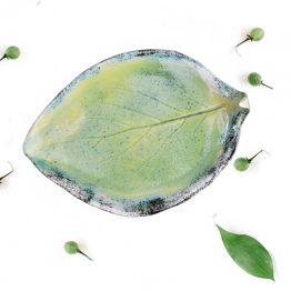 ceramiczna mydelniczka ręcznie robiona liść artystyczny