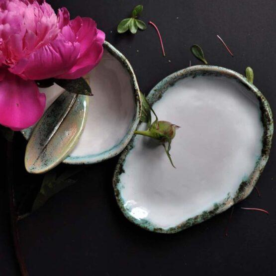 ceramiczna recznierobiona miska ze szpatulka