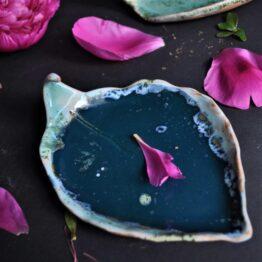 talerz na biżuterię w kształcie liścia kolor ciemny turkus