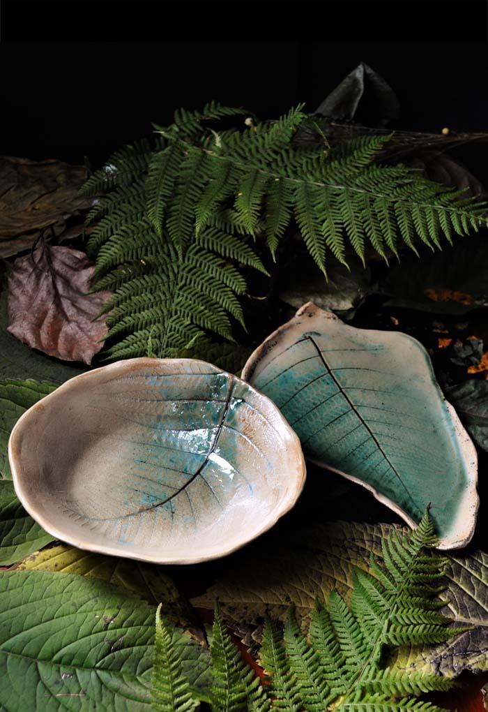 komplet z paprociami beż i zieleń talerz liść z motywem paproci