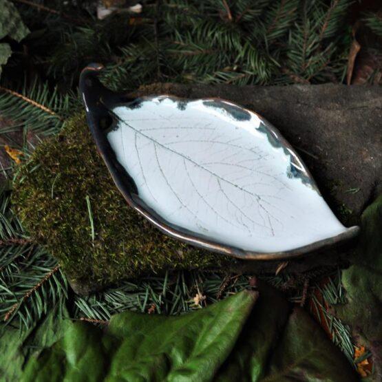 mydelniczka liść kiwi biała