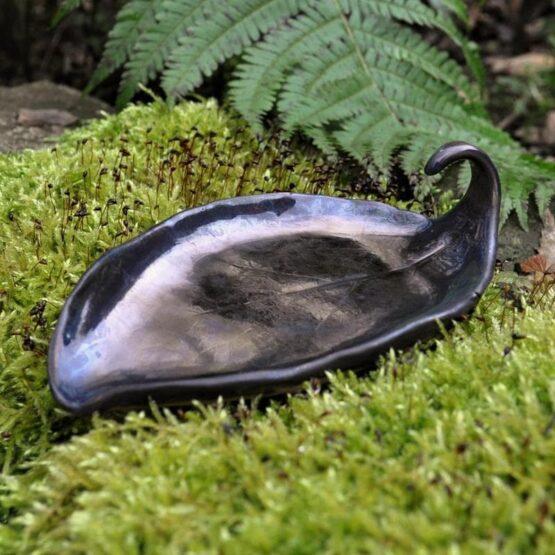 mydelniczka ceramiczna liść kiwi brązowe złoto na obrączki