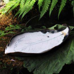 ceramiczna mydelniczka liść na biżuterię sklep arteliu