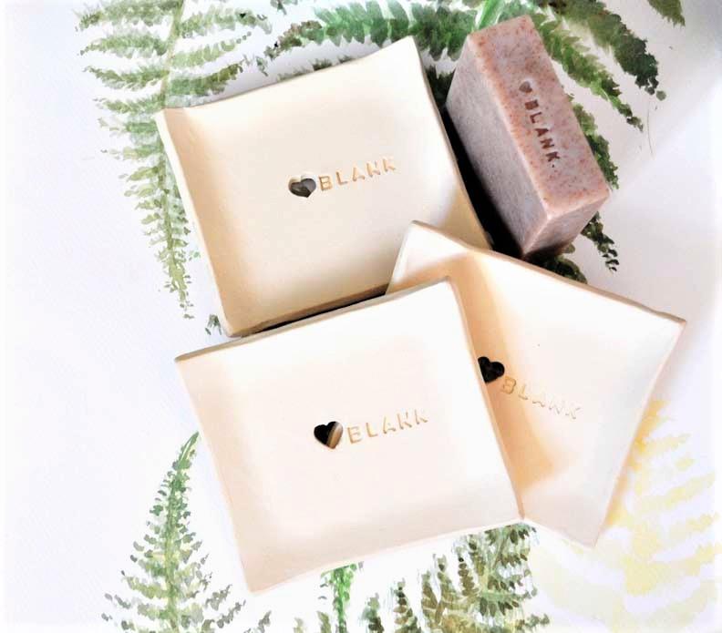 mydelniczki firmowe blank elius art ceramika oferta dla firm mydelniczka ceramiczna,piękne prezenty,ceramiczna mydelniczka handmade,ceramiczna mydelniczka z dziurkami