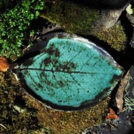 Talerz na biżuterię w kolorze turkusowym, błękitnym ręcznie robiony w pracowni ceramicznej