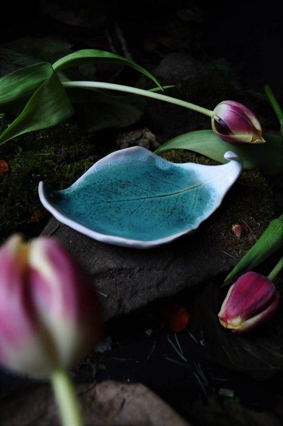 mydelniczka lub talerz liść błękitny rękodzieło na biżuterię