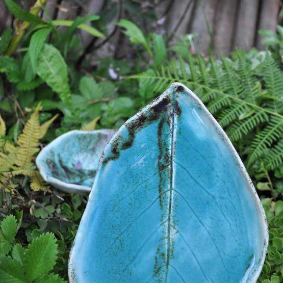 zestaw na sushi rekodzielo niebieski blekit ceramika artystyczna talerz liść,zestaw ceramiczny do sushi,talerze liście rękodzieło,ceramiczny zestaw do sushi turkusowy
