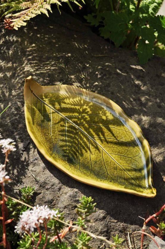 talerz pod palo santo zielony liść rękodzieło ceramiczne