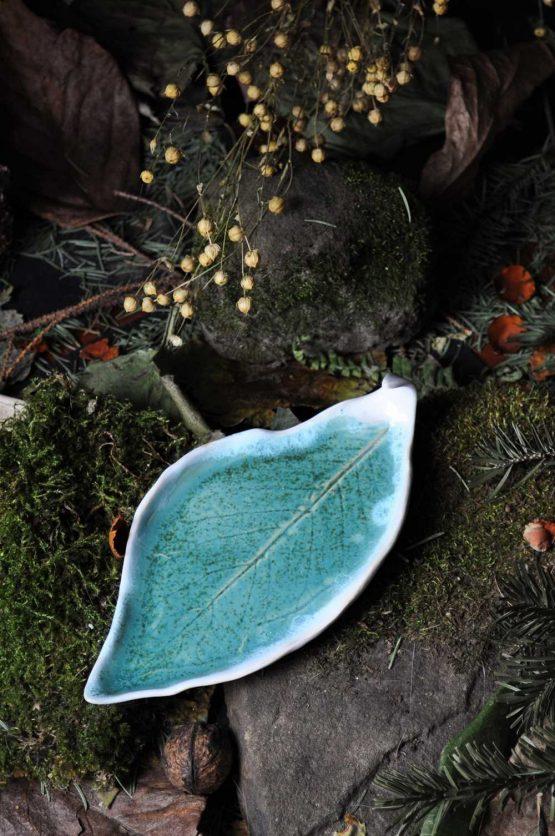 talez liść na Palo Santo biżuterię w błękitach