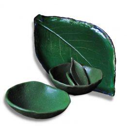 artystyczny zestaw na sushi talerz liść z miskami zielony arteliu