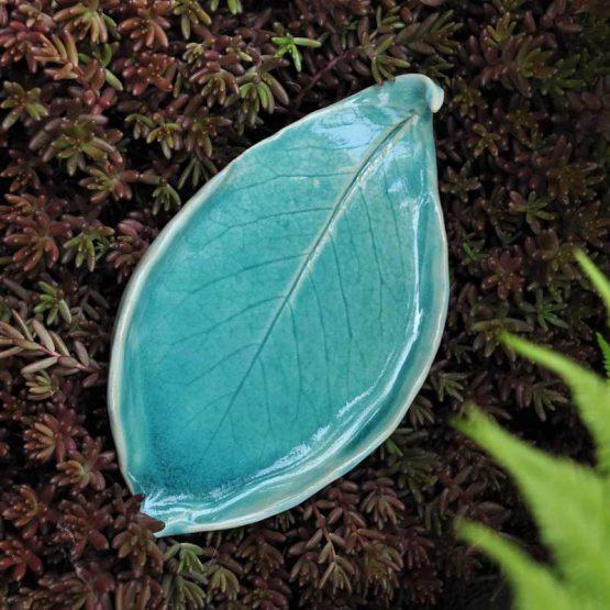 artystyczna mydelniczka ceramiczna niebieska błękitna liść sklep arteliu online