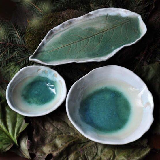 ceramiczny turkusowy talerz lisc z miskami glebia jeziora