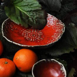 piękny komplet ceramiczny czerwony
