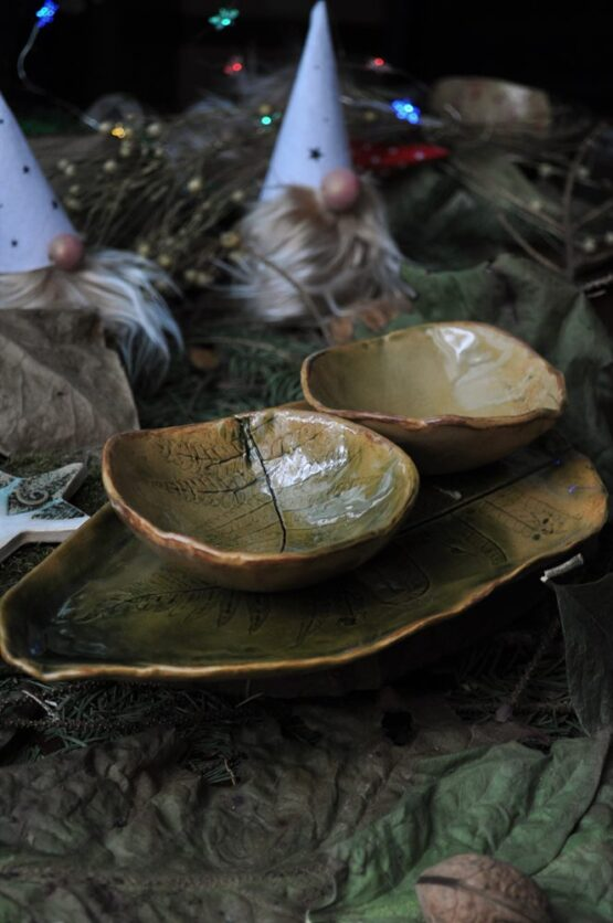 zestaw ceramiczny z paprociami