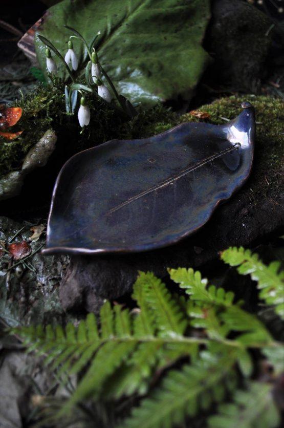 ceramiczna mydelniczka liść brązowe złoto