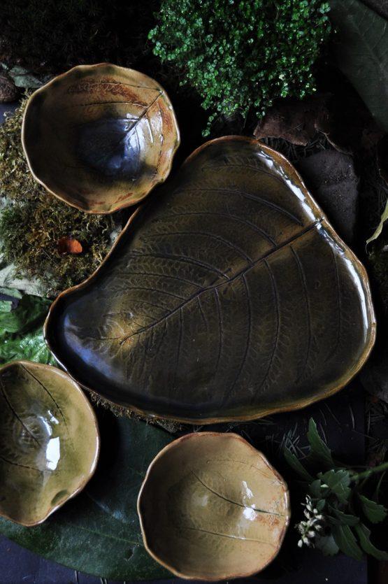 komplet do sushi w brazach i zieleniach ceramika artystyczna arteliu sklep z ceramika patera liść paproci,ceramiczna patera liść,zestaw do sushi,zestaw do sushi ceramika