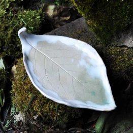 Ceramiczny Talerz Liść na biżuterię w odcieniach pastelowych