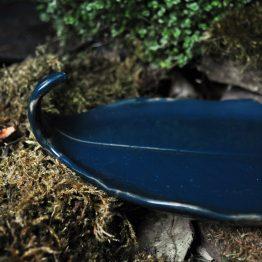 ceramiczny talerz liść Pod Palo Santo Liść Ciemnozielony