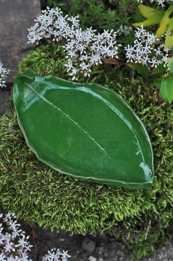 ceramiczna mydelniczka handmade rękodzieło artystyczne zielony liść ceramiczny