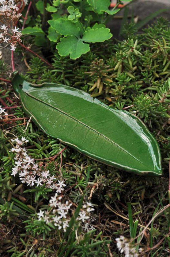 podstawka ceramiczna liść na kadzidła zielony oliwkowy rękodzieło