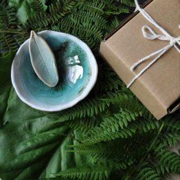 miseczka ceramiczna do glinek ręcznie robiona na prezent dla przyjaciółki