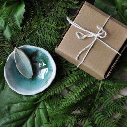 ceramiczna miska na glinki maski ze szpatułką turkusowa prezent dla kobiety